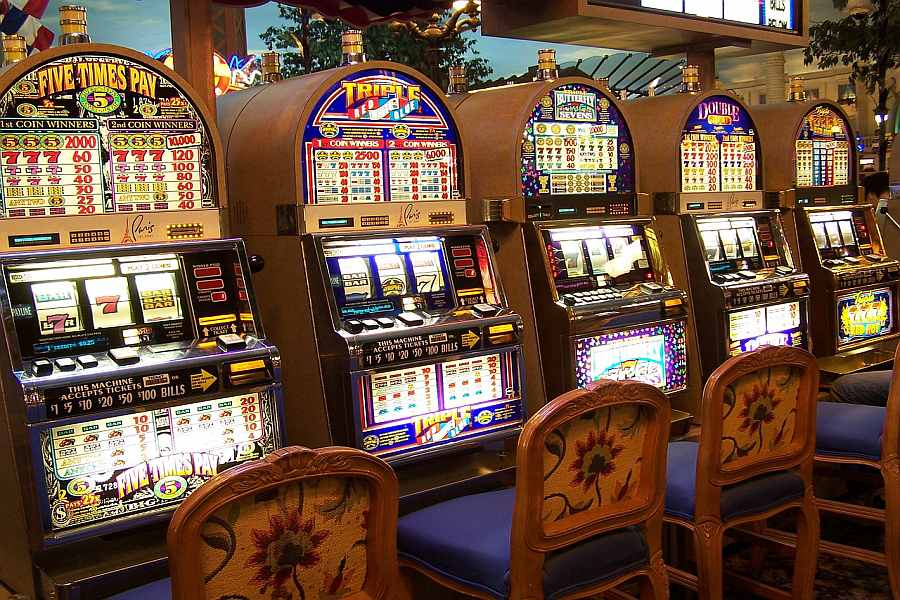 How Slot Machines & Coin Slots Work